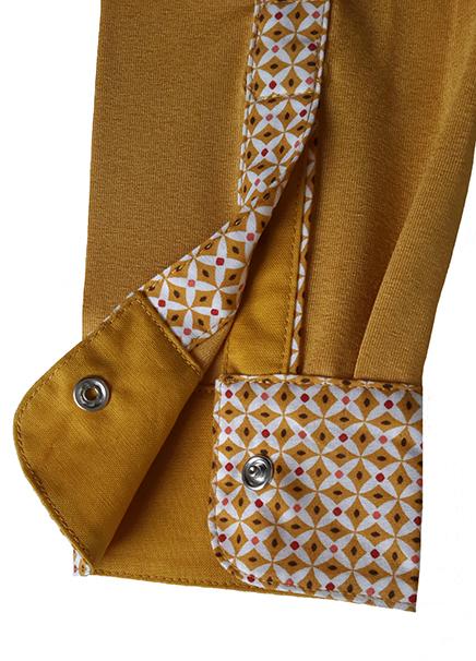 polo jaune de mars detail manche